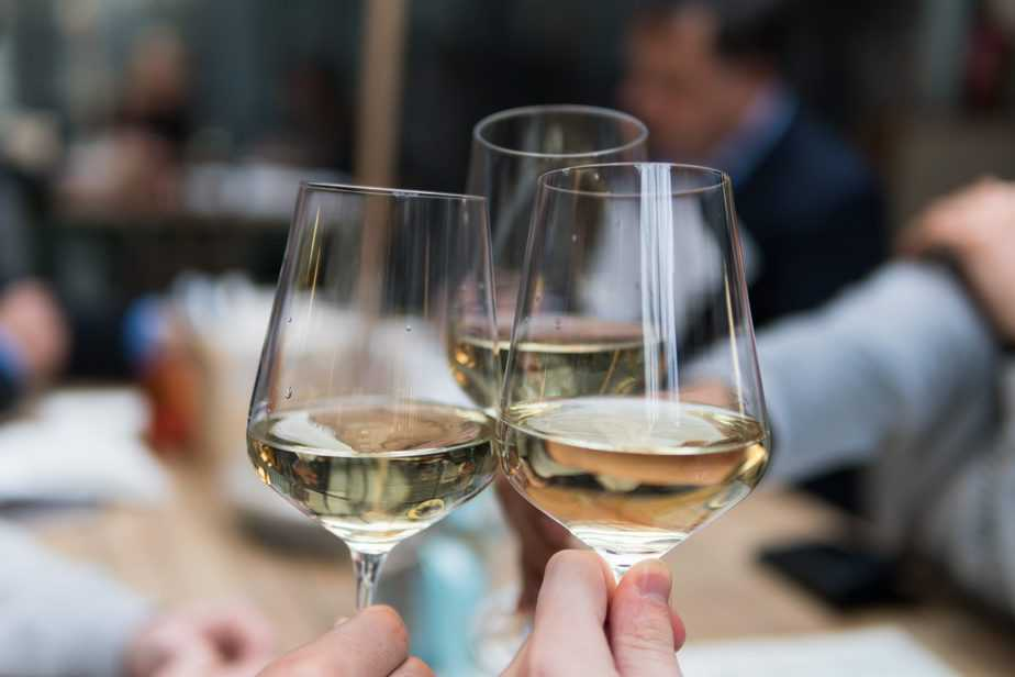 photograph of three glasses of wine alcohol