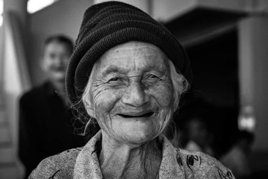 Vieille femme bw alzheimer