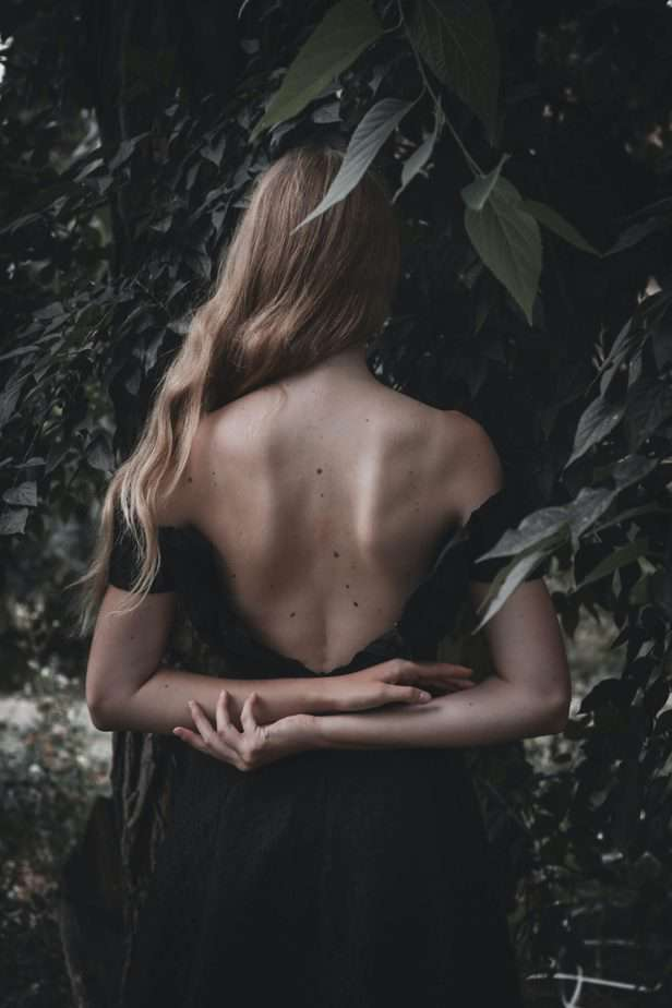 picture of woman's back with some freckles