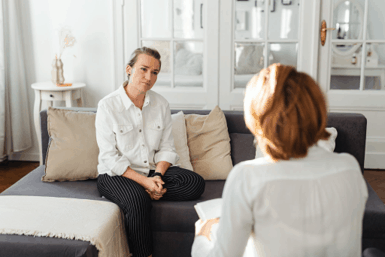 A genetic counseling session after genetic cancer testing